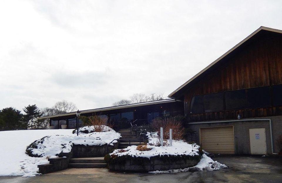 SPRING LAKE GOLF CLUB, 30 E. Bartlett Rd.,