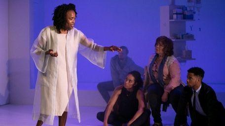 Roberta (Charlayne Woodard) gives a monologue on the