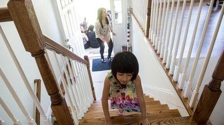 Air Force veteran Dee Bonacasa and her 5-year-old