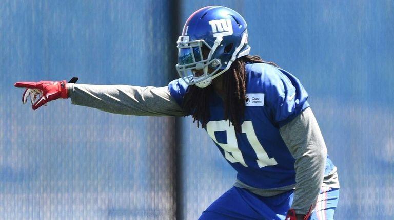 New York Giants linebacker Kelvin Sheppard participates in