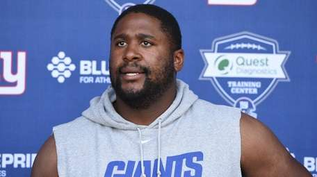 New York Giants offensive tackle Marshall Newhouse answers