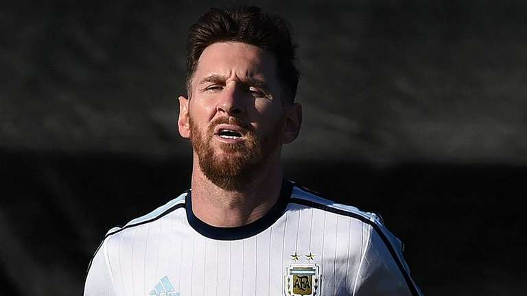 Lionel Messi trains with the Argentina national team