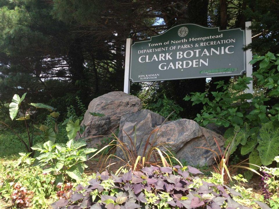 CLARK BOTANIC GARDEN, 193 I.U. Willets Rd., Albertson,
