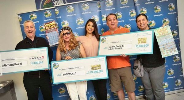 The New York State Lottery's Amanda Serrano, center