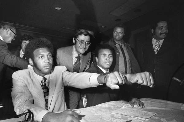 Muhammad Ali (R), the 29-year-old former heavyweight champion