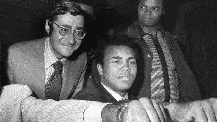 Muhammad Ali (R), the 29-year-old former heavyweight champion