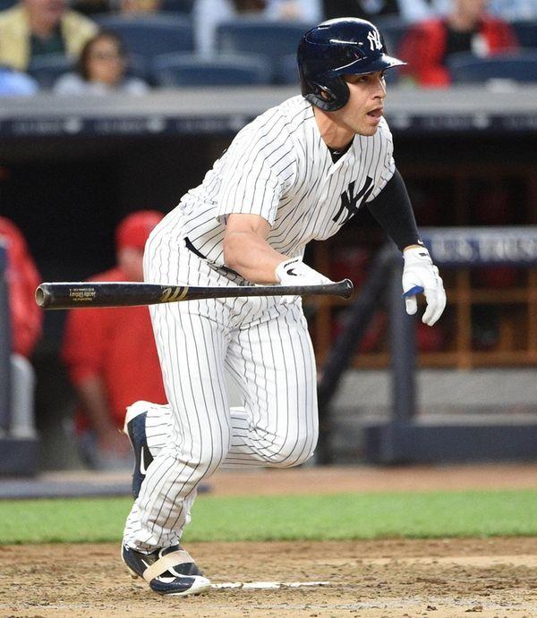 New York Yankees centerfielder Jacoby Ellsbury runs on