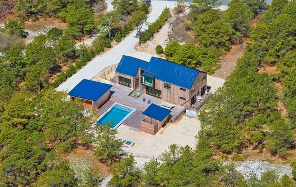 This eco-friendly Amagansett home is on the market