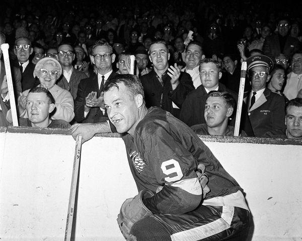 Gordie Howe of the Detroit Red Wings acknowledges