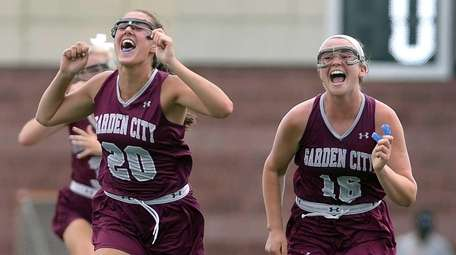 Garden City's Katie Muldoon, left, and Kerry Defliese