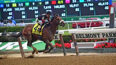 Shaman Ghost wins the fourth race at Belmont