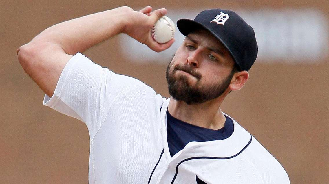 Michael Fulmer #32 of the Detroit Tigers pitches