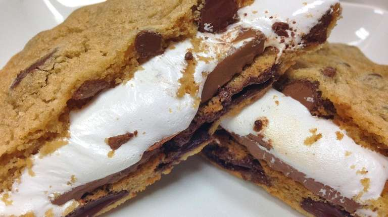 Chip'n Dipped in Huntington is offering made-to-order s'mores,