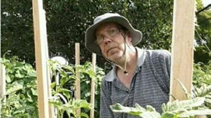 Philip Grombliniak of Levittown grows tomatoes.