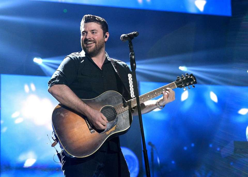 Singer/songwriter Chris Young performs during the 2016 iHeartCountry