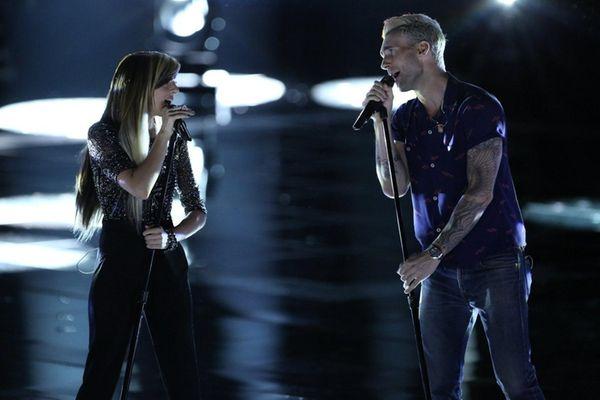 Christina Grimmie and Adam Levine perform on