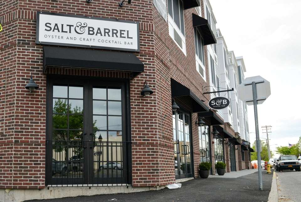 Salt & Barrel, Bay Shore: The focal point