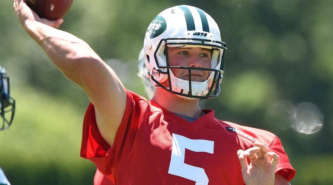 New York Jets quarterback Christian Hackenberg passes the