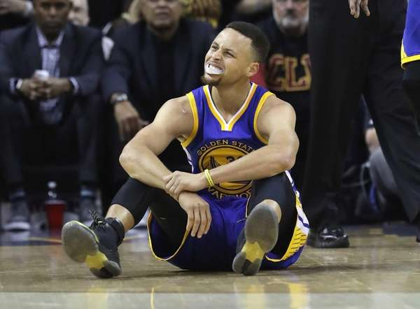 Stephen Curry of the Golden State Warriors reacts