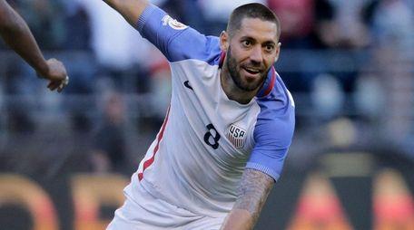 USA's Clint Dempsey celebrates after teammate Gyasi Zardes