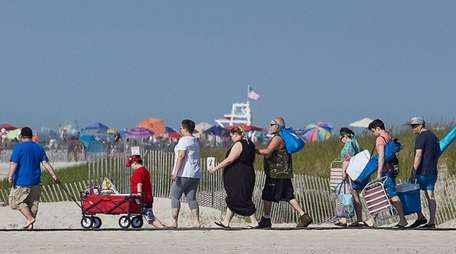 People arrive at Jones Beach in Wantagh on