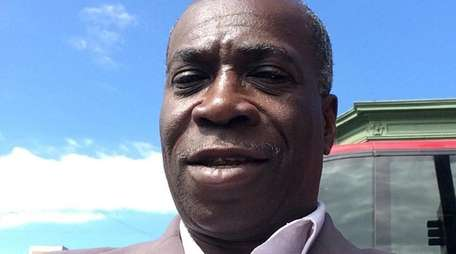 Roosevelt community leader Wilton Robinson died of colon