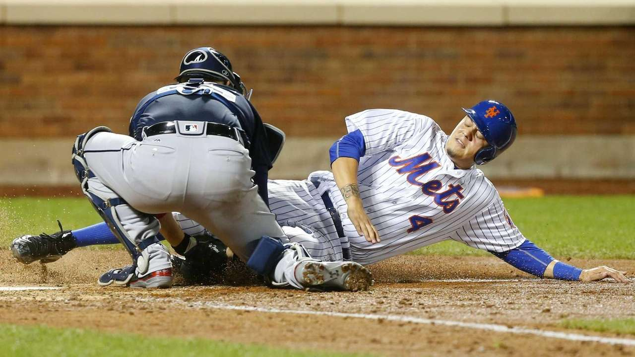 Wilmer Flores of the New York Mets is