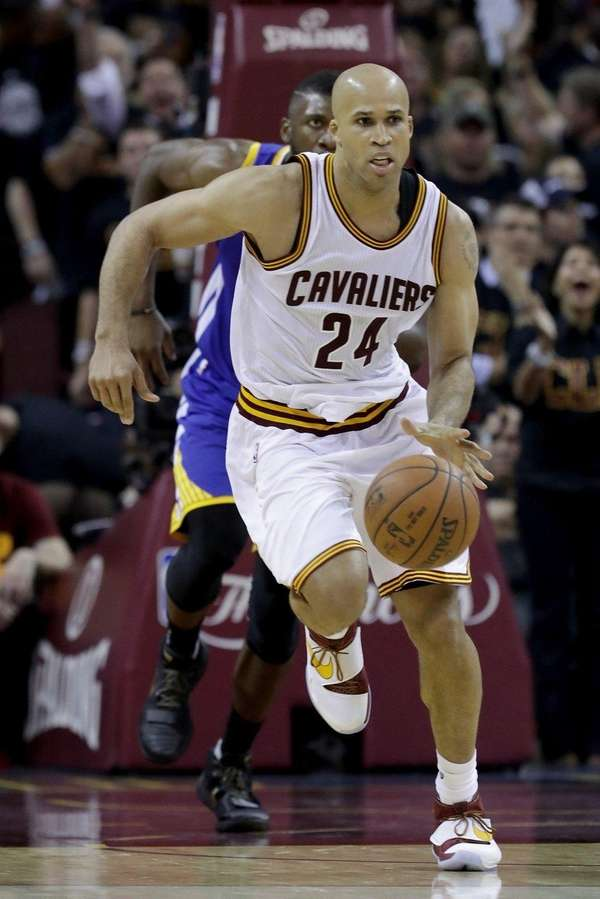 Richard Jefferson of the Cleveland Cavaliers with the