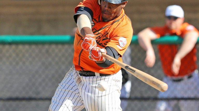 Ducks Center fielder Delta Cleary Jr. #5 hit