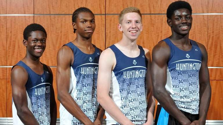 The Huntington 4x400 relay team poses for a
