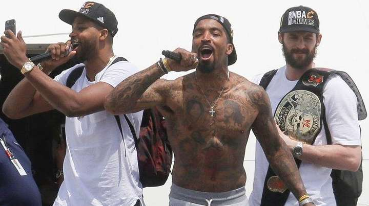 Cleveland Cavaliers' Tristan Thompson, second from left, J.R.