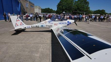 Luminati Aerospace CEO Daniel Preston introduced this solar-powered