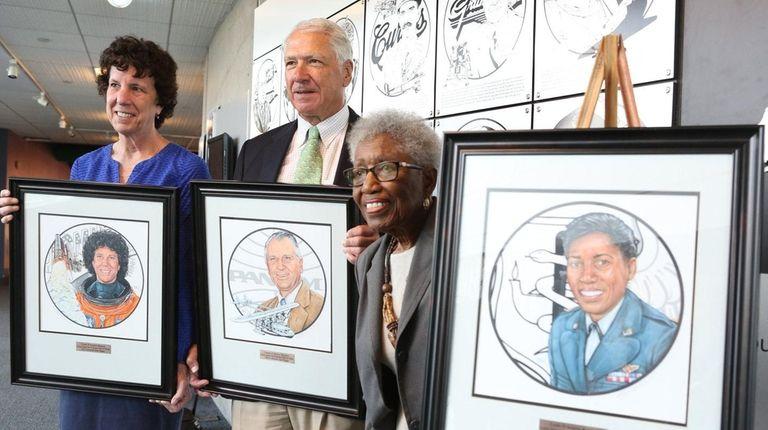 From left, space shuttle astronaut Ellen Baker; Ed