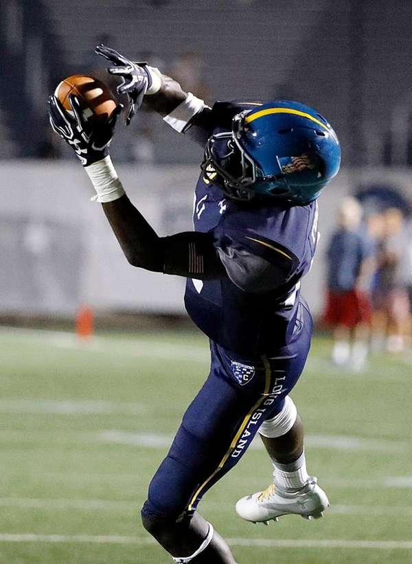 Long Island's Infinite Tucker stretches for a reception