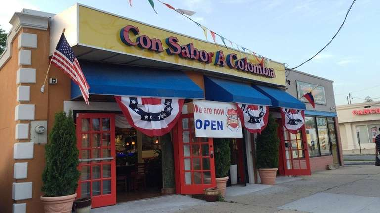 Spacious, colorful Con Sabor a Colombia has opened