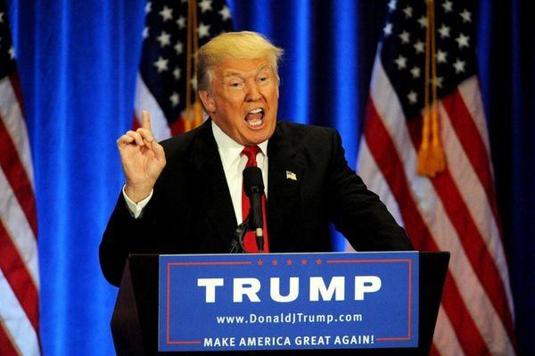 Donald Trump attacks Hillary Clinton in a speech