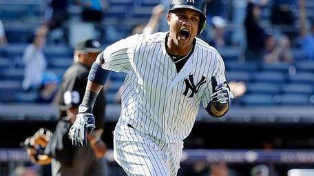 New York Yankees second baseman Starlin Castro (14)