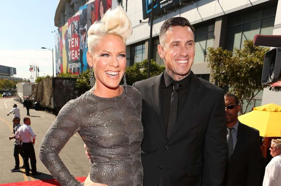 Pop star Pink first married professional motorcross performer
