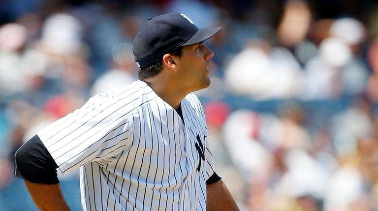 Nathan Eovaldi reacts after surrendering his third home