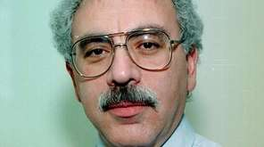 Martin Hollander, a former Newsday op-ed editor, died