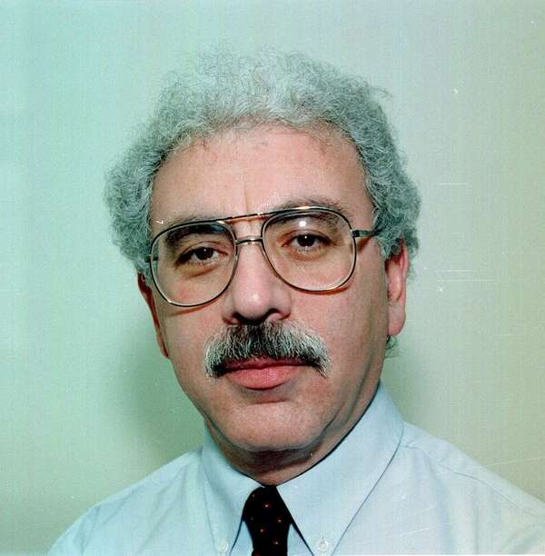 Martin Hollander, a former Newsday op-ed editor, died