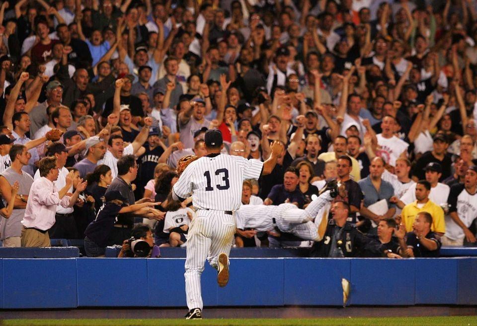 Derek Jeter of the New York Yankees makes