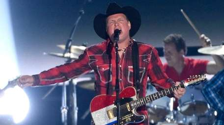 Garth Brooks will perform two nights at Yankee