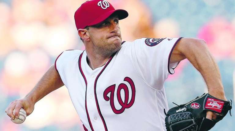 Max Scherzer #31 of the Washington Nationals works
