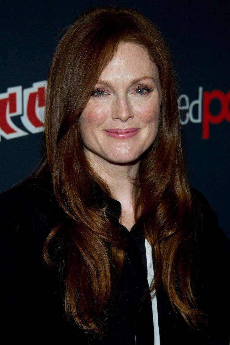 Julianne Moore tweeted her support of Hillary Clinton