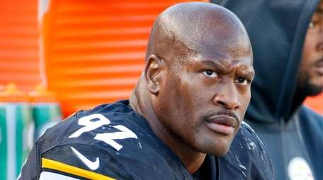 Pittsburgh Steelers outside linebacker James Harrison on the