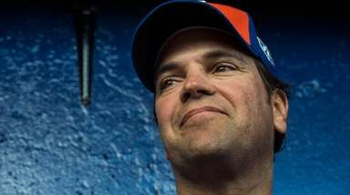 Mike Piazza, former Mets catcher talks during the