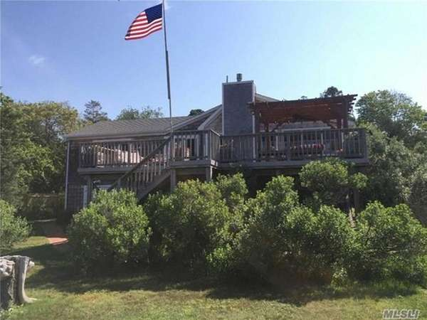 This 1,800 square-foot Hampton Bays beach house has