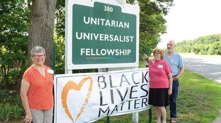 Joanne Hammer, left, president of the Unitarian Universalist
