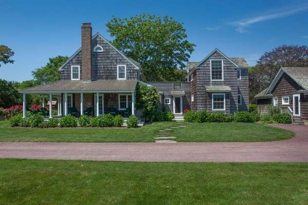 A 4-acre complex in Sagaponack is home to